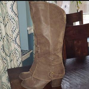 Fergalicious boots sz 9